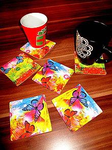 Pomôcky - Pestrofarebné podšálky s motýľmi - 6037185_