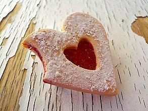 Odznaky/Brošne - linecke srdce - brosna (nakusnute srdće) - 6039930_