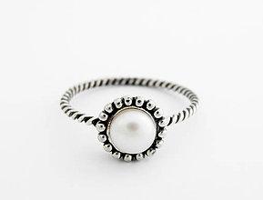 Prstene - CERTIFIKÁT 925 Striebro, prsteň,prírodná perla R40 - 6054712_