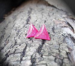 Náušnice - Trojuholníčky 10 mm (červené) - 6056019_