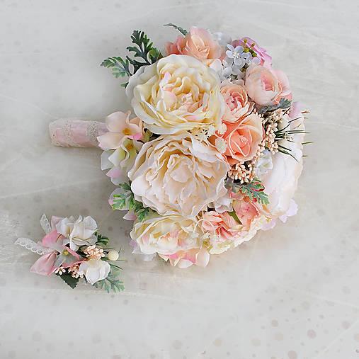 Svadobná kytica jemná pastelová