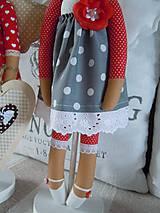 Bábiky - Anjelka na drevenom podstavci - 6070371_