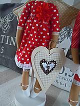 Bábiky - Anjelka na drevenom podstavci - 6070378_