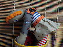 Hračky - Gombíková bábika miluje stromy... - 6070344_