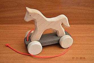 Hračky - Koník drevený ťahací - 6068293_