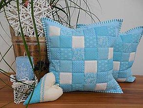 Úžitkový textil - patchwork vankúš 40x40cm tyrkysovo - biely - 6077068_