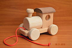 Hračky - Mašinka drevená so šnúrkou - 6076443_