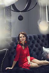 Šaty - Červené úpletové šaty s rásporkom - 6088995_