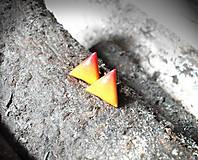 Trojuholníčky 10 mm dúhové (žlto-oranžové)