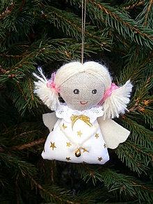 Dekorácie - anjelik -ozdoba na stromček (zlatý) - 6103878_