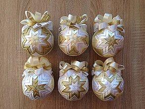 Dekorácie - Patchworkové gule - biela, vanilková, zlatá - 6109559_