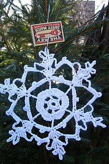 Dekorácie - Háčkovaná veľká vianočná vločka 1 - 6110422_