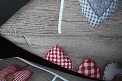 Úžitkový textil - Oblečené srdiečka - 6111454_