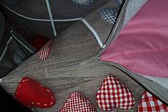 Úžitkový textil - Oblečené srdiečka - 6111460_