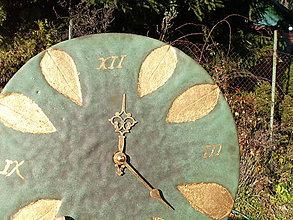"""Hodiny - Hodiny medienkovo zelené zlaté  """"Vianočné .... """" - 6112374_"""
