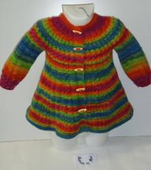 Detské oblečenie - Pletený pestrofarebný kardigán s čiapkou  - 6111771_