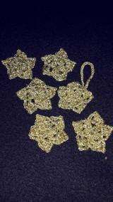 Dekorácie - Zlaté hviezdičky  na stromcek - 6125373_