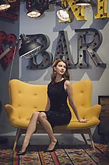 Šaty - Elegantné zamatové šaty s trblietkami, čierne - 6136640_