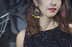 Šaty - Elegantné zamatové šaty s trblietkami, čierne - 6136641_
