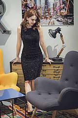 Šaty - Elegantné zamatové šaty s trblietkami, čierne - 6136642_
