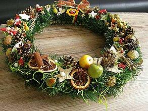 Dekorácie - vianočný veniec na dvere s postavičkami - 6143580_