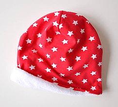 Detské čiapky - detská čiapka oteplená červená s hviezdičkami - 6147258_