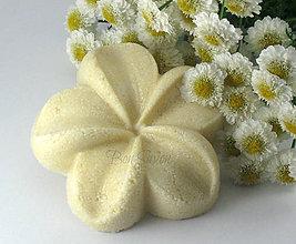Drogéria - *Květ Tiaré* Tuhý Šampón s olejom Monoi de Tahiti 65g - 6152561_