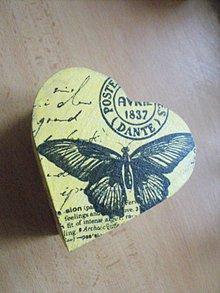 Krabičky - drevené srdiečko motýľ - 6172727_