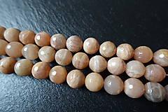 Minerály - Mesačný kameň lososový AB fazetovaný 10mm - 6177679_