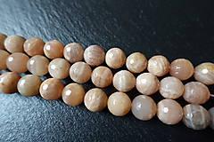 Minerály - Mesačný kameň lososový AB fazetovaný 10mm - 6177680_