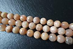 Minerály - Mesačný kameň lososový AB fazetovaný 10mm - 6177684_