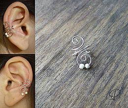 Náušnice - záušnica s perleťovými korálikmi - 6181185_