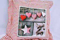 Úžitkový textil - Károvaný vankúš s vianočným motívom - 6186363_