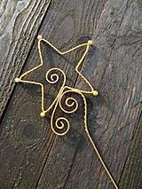 Dekorácie - hviezdne odlesky...zlaté - 6190289_