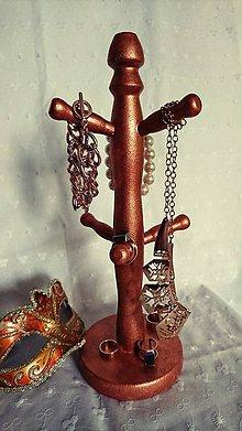 Pomôcky - Stojan na šperky