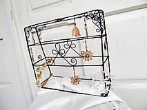 Dekorácie - Šperkovnica na náušničky....stojaca - 6194474_