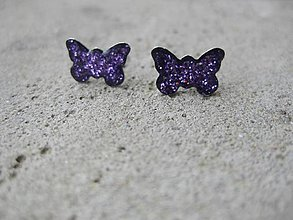 Náušnice - Fialové trblietavé motýliky - chirurgická oceľ č.1476 - 6194808_