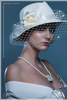 Náhrdelníky - Háčkovaná dutinka / náhrdelník z korálok - 6197968_