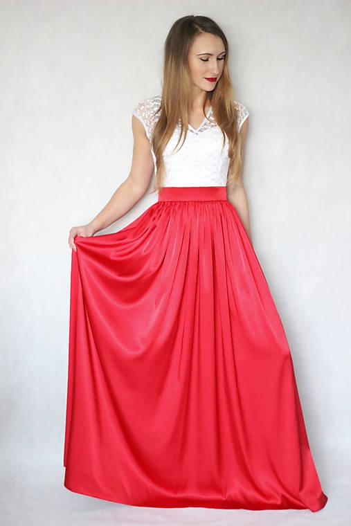 Spoločenské šaty s tylovou krajkou a saténovou sukňou rôzne farby