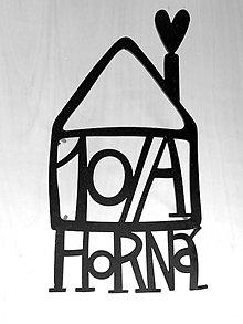 Tabuľky - Tabuľka na dom / malý domček s nápisom - 6204812_