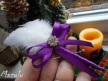 svadobné pierko fialové