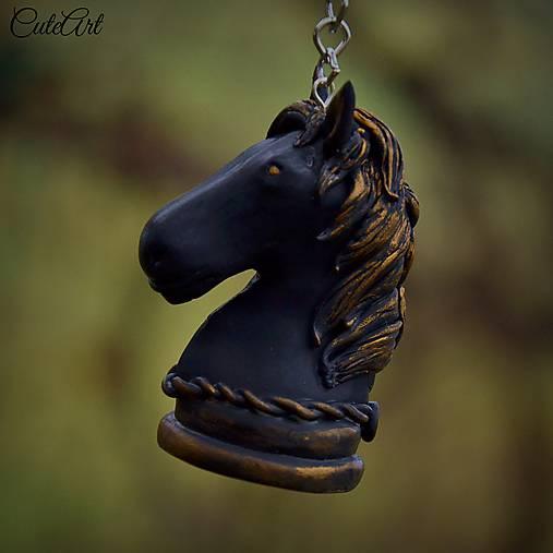 Black Knight - kľúčenka s šachovou figúrkou (kôň)