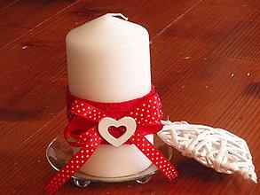 Svietidlá a sviečky - Valentínska sviečka so srdiečkom - 6224235_