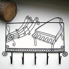 Iné - vešiak pre hudobníka - 6228745_