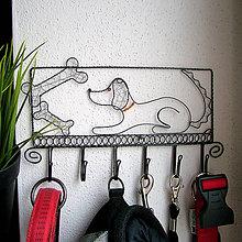 Pre zvieratká - väčší vešiak so psíkom - 6244210_