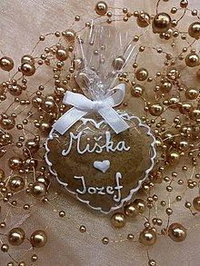 Darčeky pre svadobčanov - Svadobné medovníkové srdiečko III. - 6247278_