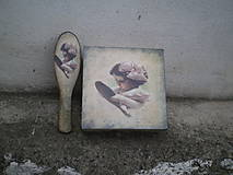 - Krabička a kefa na vlasy - 6246636_