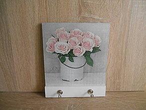 Nábytok - Vešiak malý - s ružami - 6250133_