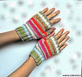 Rukavice - Béžové rukavičky s farebnými pásikmi - 6250713_
