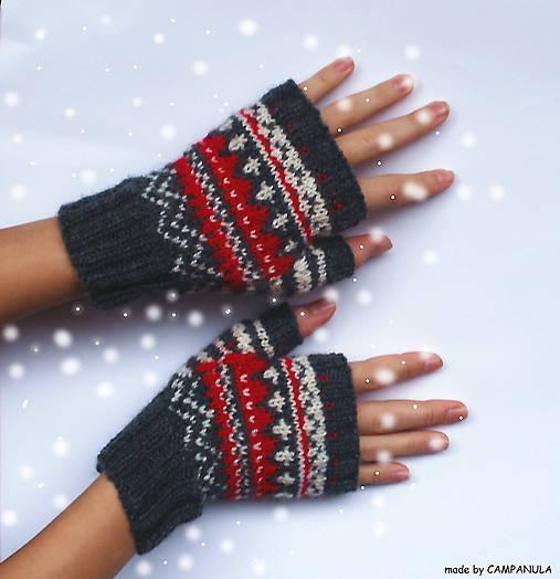 Pletené rukavice s červeno-bielym nórskym vzorom